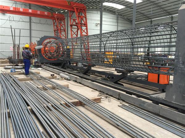 El mejor precio soldó con autógena la máquina del rollo de la malla de alambre, reforzando el diámetro 500-2000m m del soldador de la costura de la jaula